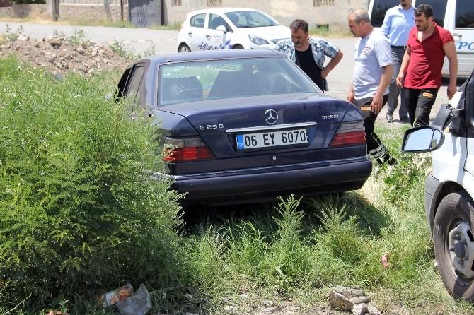 Iğdır'da Fırın Arabasıyla Otomobil Çarpıştı: Üç Yaralı