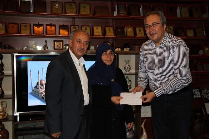 Hayırsever Ayşe Altun'dan Nevşehir Külliyesi Yapımı İçin 100 Bin TL Bağış