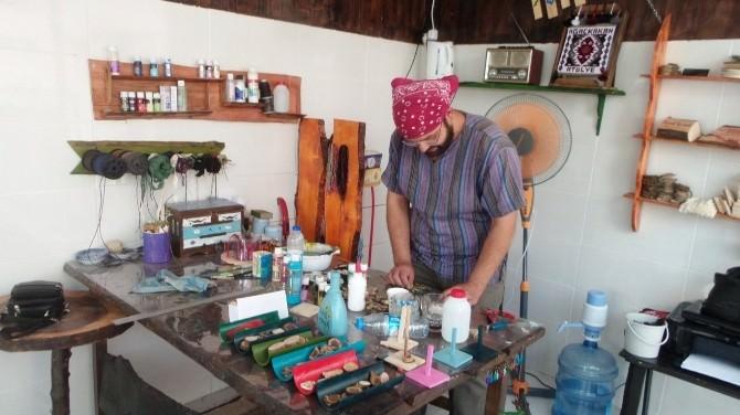 Akdamar Adası Badem Ağaçları Sanata Dönüşüyor