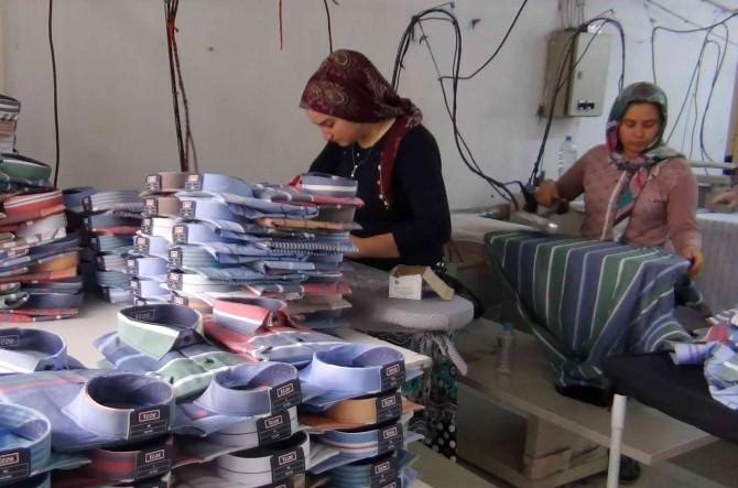 Simav'dan 7 Ülkeye Gömlek İhracatı