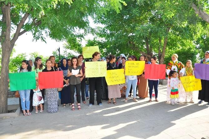 Şırnak'ta Kadına Şiddet Ve İntiharlara Dikkat Çekmek İçin Basın Açıklaması Düzenlendi