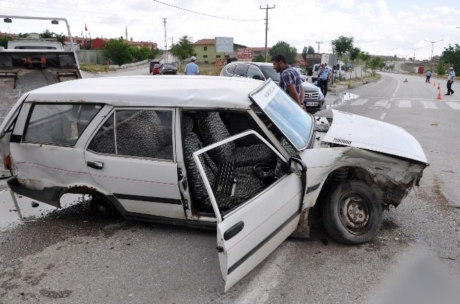 Sorgun'da Trafik Kazası: Beş Yaralı