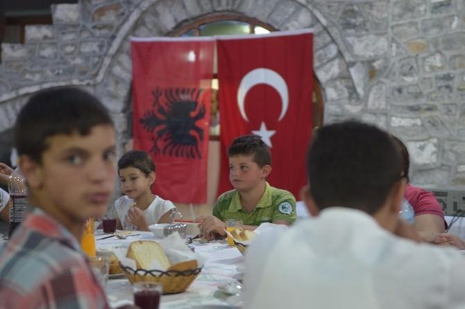 Türkiye Diyanet Vakfı Arnavutluk'ta İyilik Sofrası Kurdu