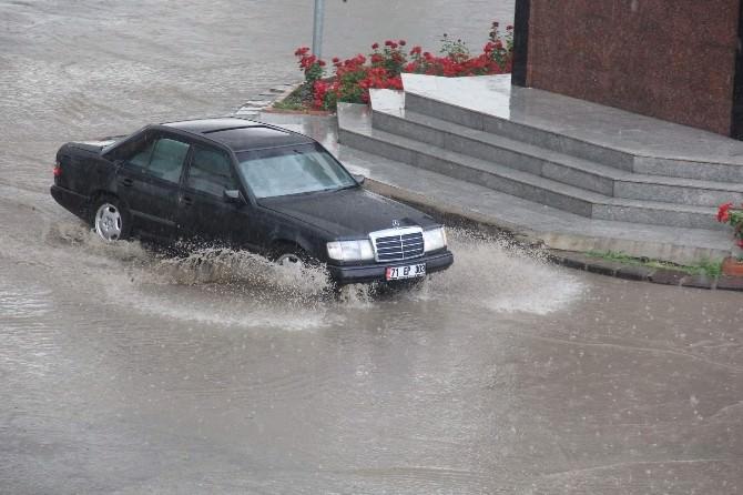 Kırşehir Belediyesi Aralıklı Yağış İçin Uyardı
