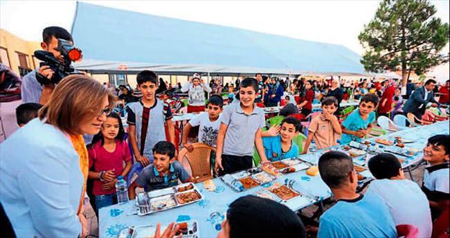 Büyükşehir'den her gün 13 bin kişiye iftar