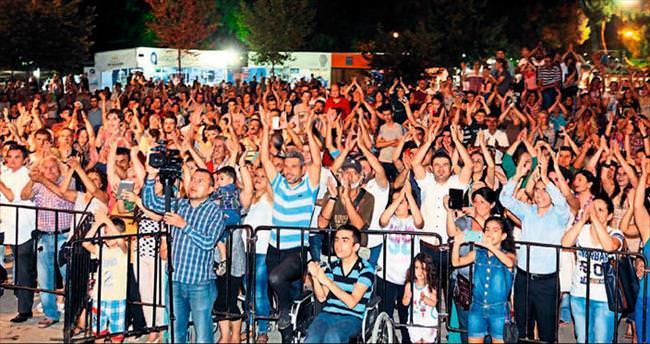 Konyalılar hemşeri gecesinde eğlendi