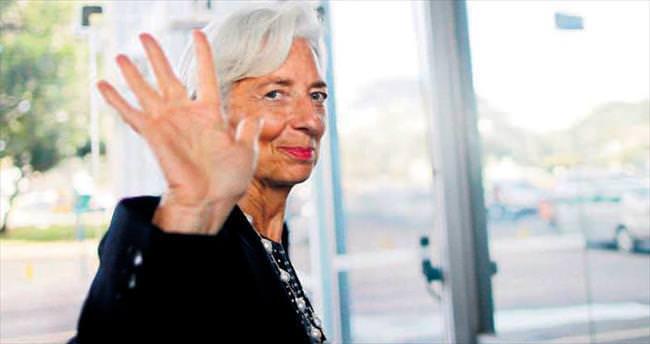 S&P: Yunanistan Euro Bölgesi'nde kalır