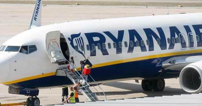 Oslo'ya giden uçakta bomba paniği