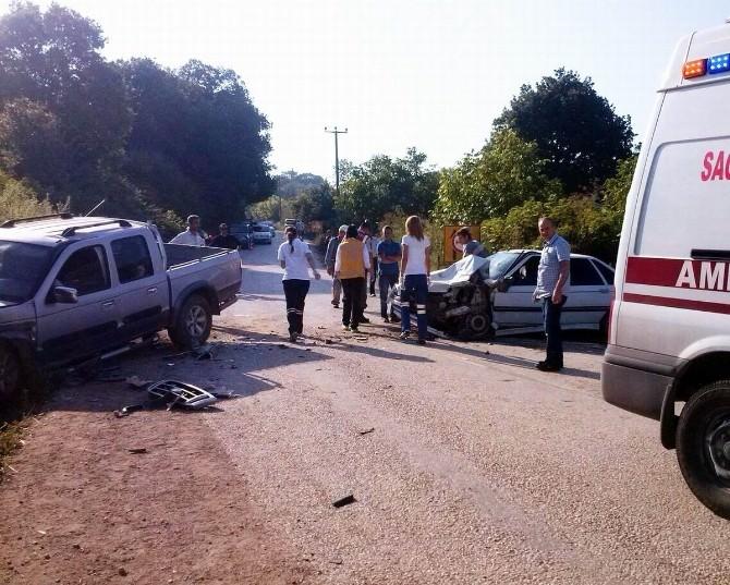 Erdek'te Trafik Kazası: 4 Yaralı