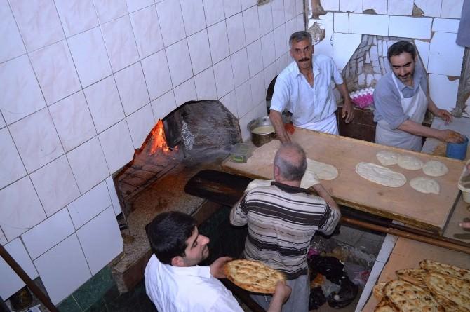 Ramazan Ayında Fırıncılardan Yoğun Ve Zorlu Mesai