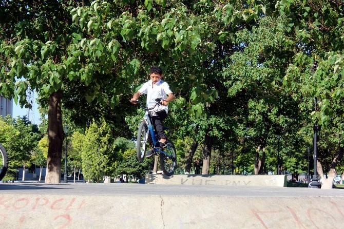 Çocukların Bisikletle Oyunu Korkuttu