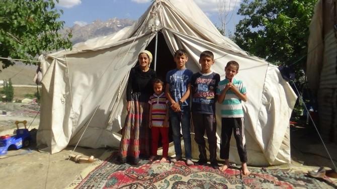 Valilikten 3 Aydır Çadırda Yaşayan Aileye Ev Sözü