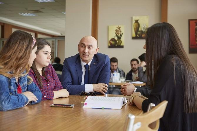 HKÜ İstanbul Üniversite Tercih Fuarında