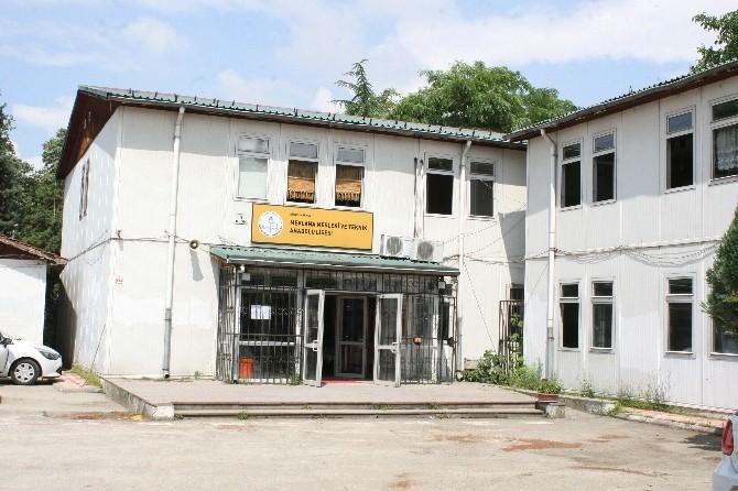 Düzce Kız Meslek Lisesi Yeni Binasına Taşınıyor