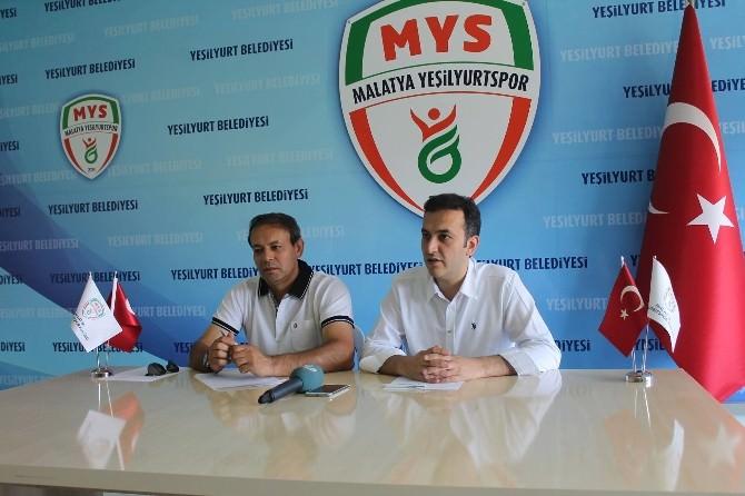 Yeşilyurtspor'da Taşar İle Resmi Sözleşme İmzalandı