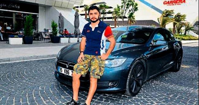 elektrikli otomobil İzmir sokaklarında