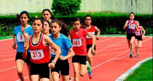 Atletler İzmir'e gitti