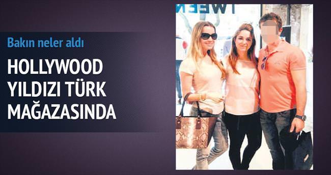 Banderas Türk mağazasında