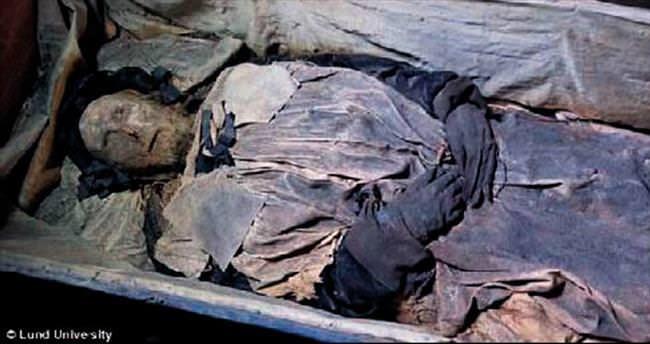 Ayak ucundan cenin cesedi çıktı