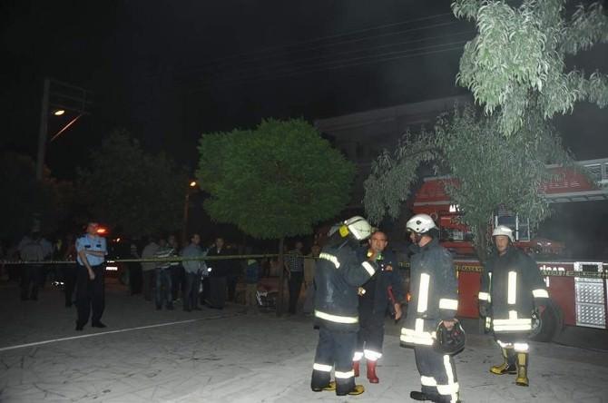 Afyonkarahisar'da 30 Dairenin Bulunduğu Binada Yangın