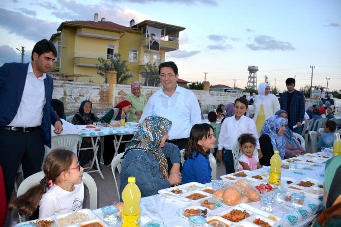 Aksaray'da Toplu İftar Ve Mahalle Meclisi Toplantıları Sürüyor