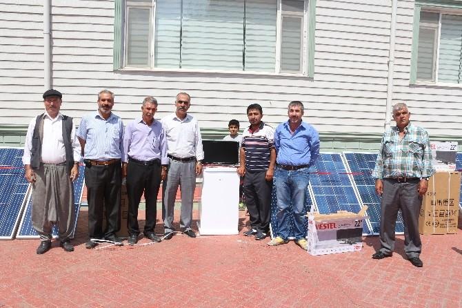 Diyarbakır'da Arıcılara Güneş Enerjisi Paneli Verildi