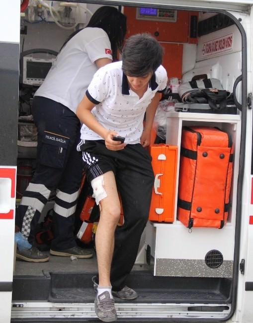 Bıçaklı Saldırıya Uğrayan Genç Hastanelik Oldu