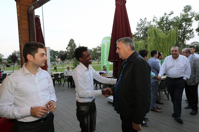 Başkan Toçoğlu, Yedirenk Dünya Öğrenci Topluluğu Üyeleri İle İftarda Bir Araya Geldi