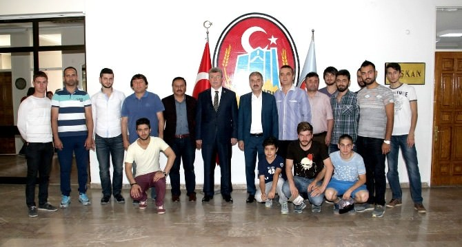 Belediye Gençlik Spor'dan Başkan Dinç'e Ziyaret