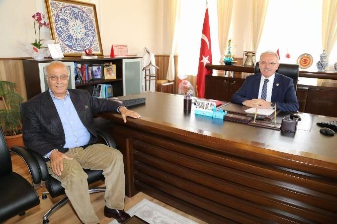 Hayırsever İşadamı Erdoğan Akdağ'dan Bozok Ünivresitesi Rektörü Karacabey'e Ziyaret