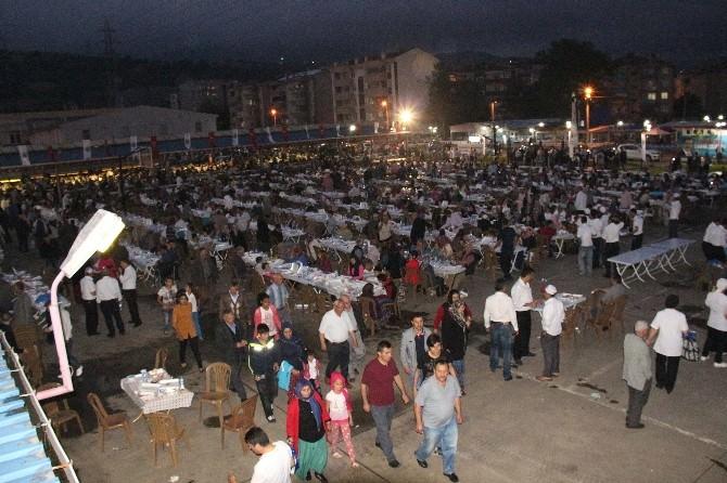Tekkeköy'de 3 Bin Kişiye İftar