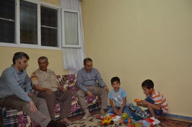 Vali Süleyman Tapsız, Elbeyli Kampında Suriyeliler İle İftar Yaptı