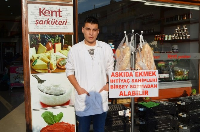 Kula'da 'Askıda Ekmek' Kampanyası
