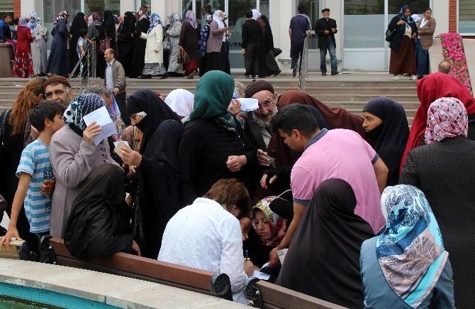 Erzurum'da Dar Gelirli Ailelere Ramazan Yardımı