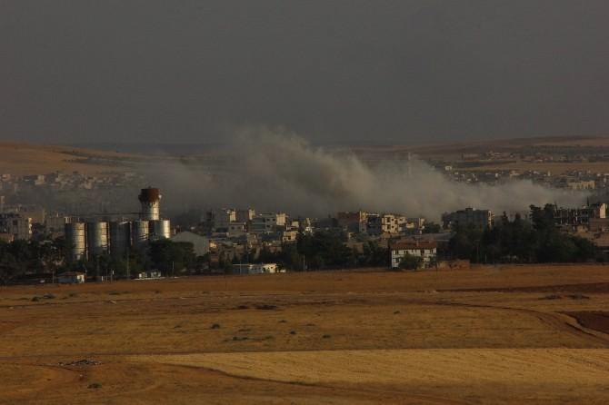 Kobani'de Dumanlar Yükseldi