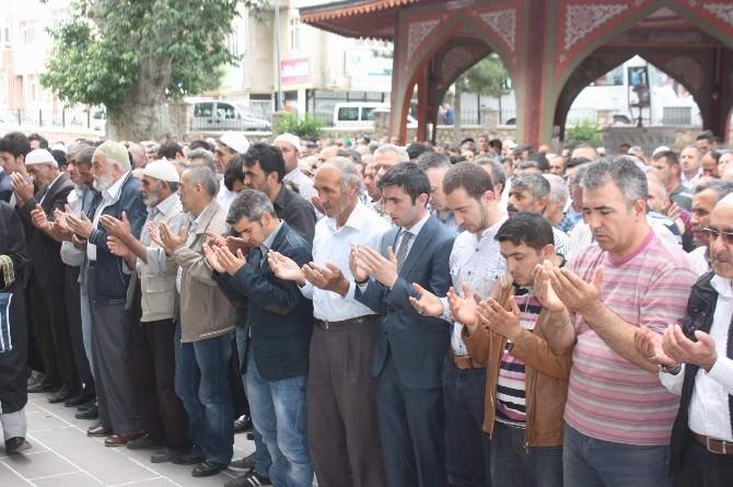 Tokat'ta, 28 Uygur Türkü İçin Gıyabi Cenaze Namazı Kılındı