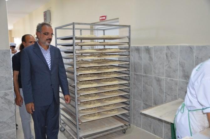 Ağrı Belediye Eş Başkanı Sakık, Halk Ekmek Fırınını Denetledi