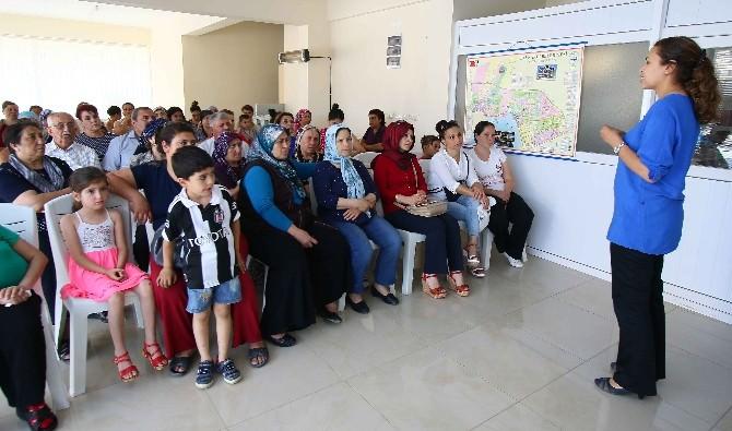 Bayraklı'da Kadınlarına İletişim Dersi