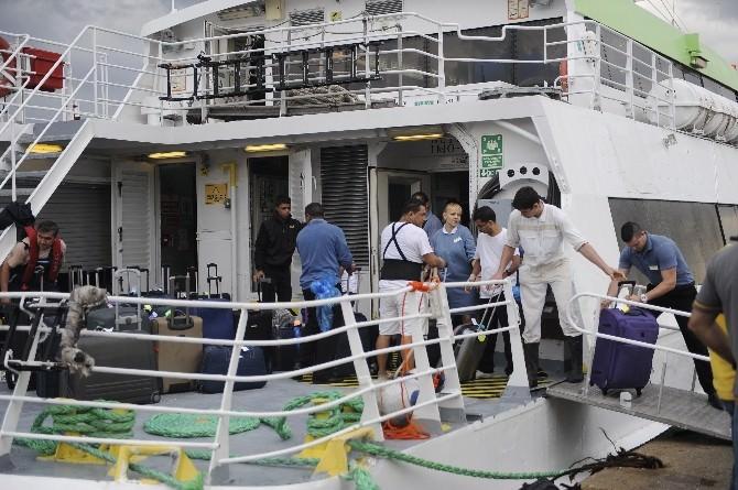 Kaza Yapan Yolcu Gemisinde Tahliye İşlemi Başladı