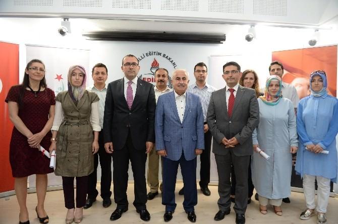 Edirne'de Temel İlk Yardım Eğitimlerini Tamamlayanlar Sertifikalarını Aldı