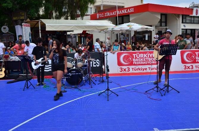 Sokak Basketbol Turnuvası Foça'da Başladı