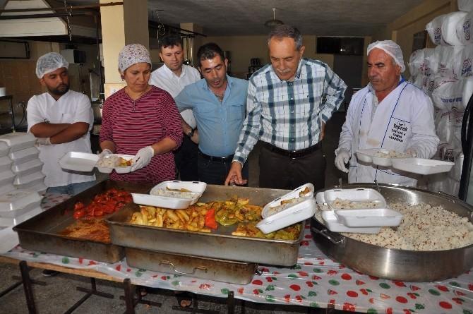 Başkan Özdemir'den Yemek Denetimi
