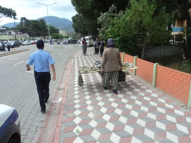 Kırkağaç'ta Zabıtadan Dilenci Ve Seyyar Satıcılara Operasyon