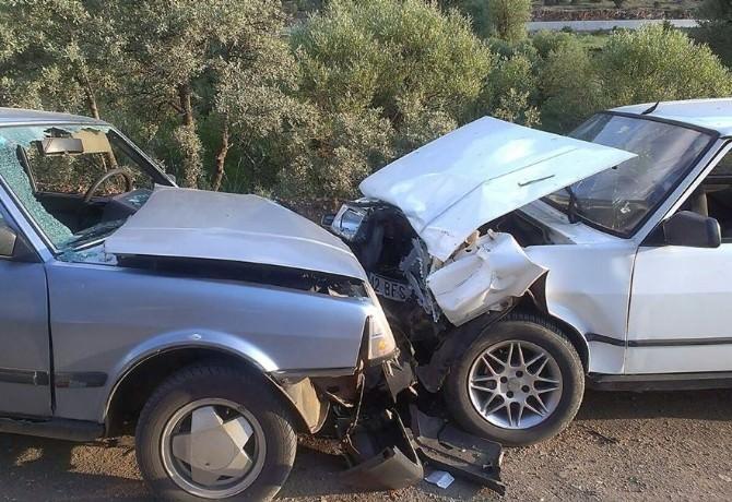 Derebucak'ta Trafik Kazası: 4 Yaralı