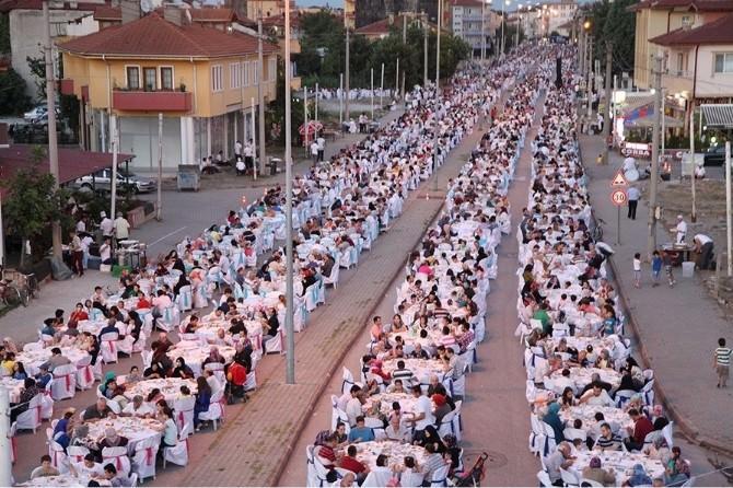 'Mahallemde İftar Var' Programı Erenler'de Devam Edecek