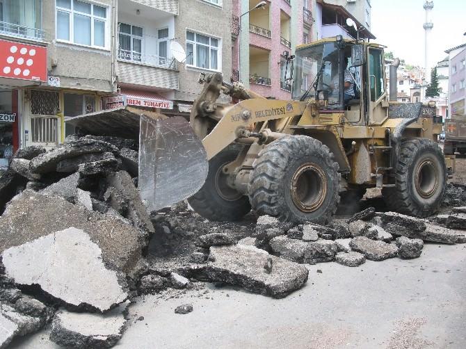 Niksar'da Yağışların Bozduğu Yollar Onarılıyor