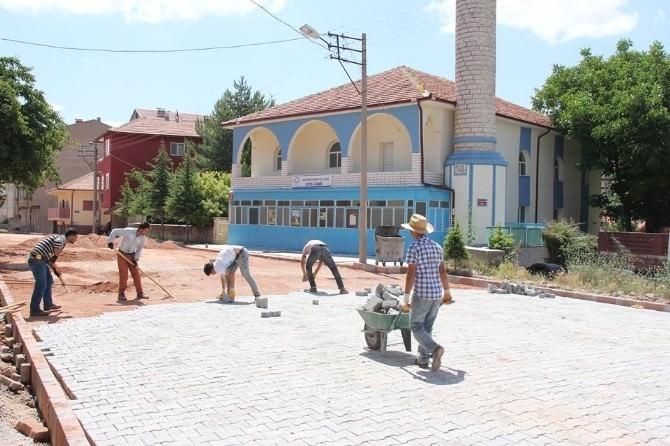 Sarıkaya'da Yol Yapım Çalışmaları Sürüyor