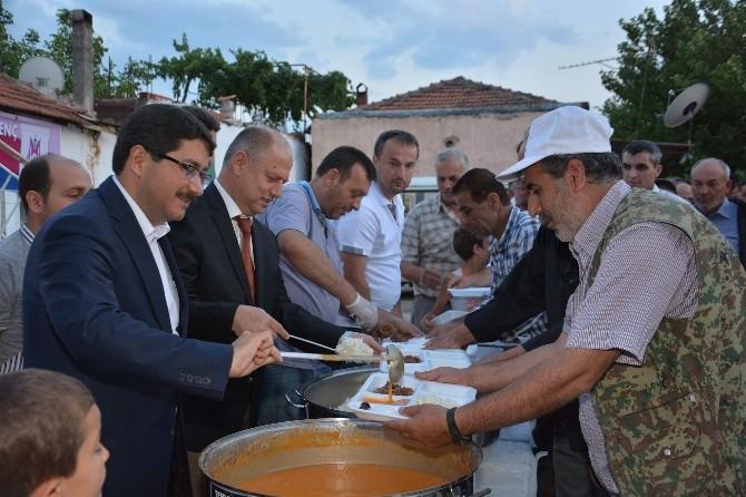 Başkan Çelik, Hacıhaliller'de İftar Açtı