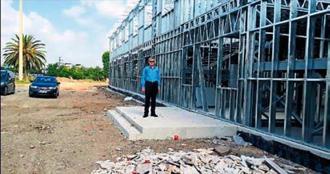 Adana'da okul inşaatları sürüyor