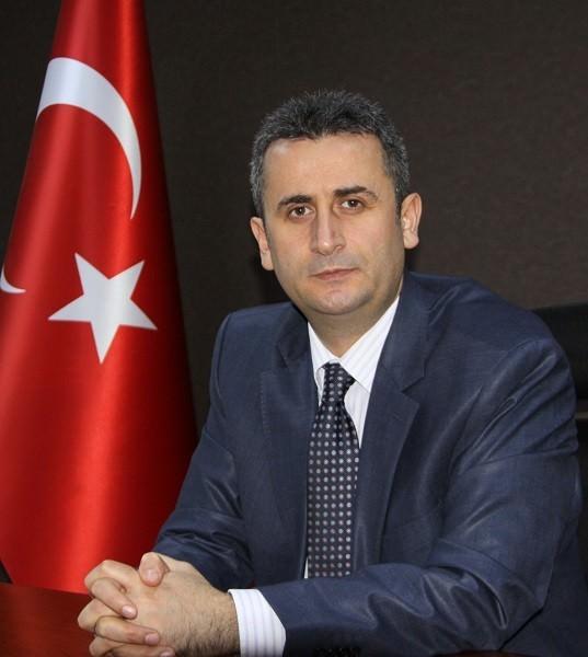 Akçakoca Kaymakamlığına Mehmet Özer Atandı